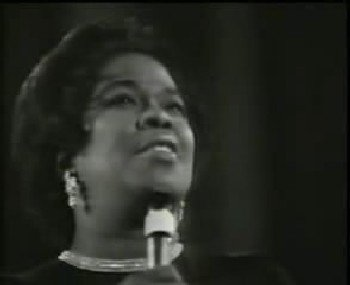 "Sarah Vaughan/Tony Bennet and Juanes ""The Shadow of Your Smile"""